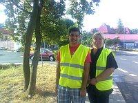 Dohledová služba v Duchcově: Miroslav Kima a Eva Bosmanová už měsíc pomáhají strážníkům (Foto: Gabriela Hauptvogelová)