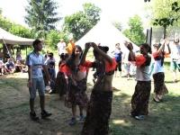 Letní setkání mladých Romů je plné tance (Foto: Michal Trnka)