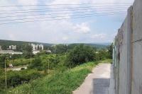 Zeď u parkoviště je vlastně jen několik metrů dlouhá (Foto: Vojtěch Berger)