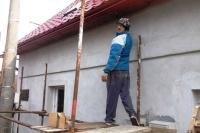 Rom při stavbě nového domu ve Svatém Antonu na Slovensku (Foto: Vojtěch Berger, Český rozhlas)
