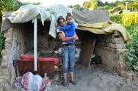 Mária a Mária u svého bývalého příbytku (Foto: Radim Kupec)