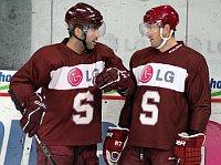 Alex Foster mit Petr Ton (Foto: Archiv HC Sparta Prag)