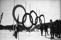 Olympische Winterspiele in St. Moritz (1928). Die erste tschechoslowakische Medaille von den Winterspielen ging an Rudolf Burkert, der aus den Sudeten stammte. Illustrationsfoto: Deutsches Bundesarchiv