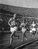 Emil Zátopek (left), photo: Archive of the Suomen Urheilumuseo