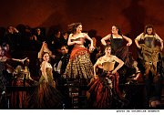 Bizets Carmen (Foto: Catherine Ashmore, www.cinemaestro.cz)