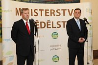 Petr Bendl (vlevo) aPetr Nečas, foto: Vláda ČR
