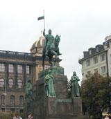 Статуя рыцаря Вацлава на Вацлавской площади