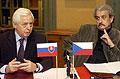 Die Kulturminister beider Länder, Pavel Dostal (rechts) und Robert Chmel (Foto: CTK)