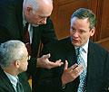 Zleva Vladimír Špidla, Pavel Rychetský a Cyril Svoboda na schůzi Poslanecké sněmovny 9. dubna v Praze, foto: ČTK