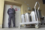 Security precautions in Prague's Bulovka hospital, photo: CTK