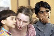 K. Vishwanathan s rodinou při ceremoniálu v Kulturním centru Židovského muzea (Foto: ČTK)