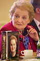 Madeleine Albright avec son livre, photo: CTK