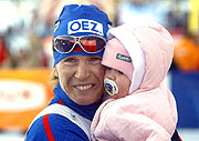 Katerina Neumannova mit ihrer Tochter (Foto: CTK)