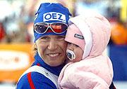 Katerina Neumannova mit ihrer Tochter (Foto: CTK)