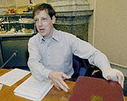 Ministr vnitra Stanislav Gross na schůzi vlády, foto: ČTK