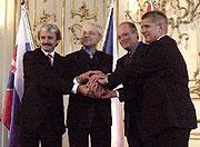 Mikulas Dzurinda, Vladimir Spidla, Peter Medgyessy und Marek Belka (v.l.n.r.) Foto: CTK