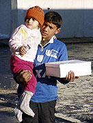 Humanitární pomoc pro Romy z Kosova (Foto: ČTK)