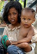 Sirotci v uprchlickém táboře v severosumaterském městě Banda Aceh (Foto: ČTK)