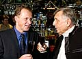 Jirí Menzel (rechts) mit dem TV Nova Direktor Petr Dvorak (Foto: CTK)