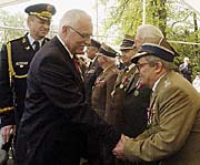 President Vaclav Klaus and the veterans, photo: CTK
