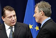 Tschechischer Premierminister Paroubek mit Tony Blair (Foto: CTK)