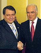 Le Premier ministre Jiri Paroubek et Franz Beckenbauer, photo: CTK