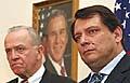 Velvyslanec USA v ČR William Cabaniss (vlevo) s Jiřím Paroubkem, foto: ČTK