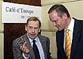 Vaclav Havel avec Cyril Svoboda au café Slavia, photo: CTK