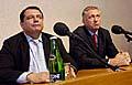 Jiri Paroubek und Mirek Topolanek (v.l.n.r., Foto: CTK)