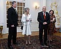 Präsident Vaclav Klaus und Premier Mirek Topolanek mit ihren Ehefrauen auf dem Schloss in Lany (Foto: CTK)