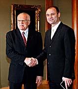 Präsident Vaclav Klaus mit Innenminister Ivan  Langer (Foto: CTK)