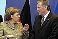 Mirek Topolanek mit Angela Merkel (Foto: CTK)