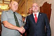 Juri Balujewski (links, Foto: CTK)