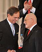Jan Švejnar and Václav Klaus, photo: CTK