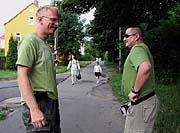 Le garde Martin Novotný avec son collègue, photo: CTK