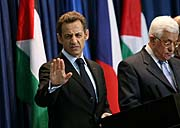 Nicolas Sarkozy et Mahmoud Abbas, photo: CTK