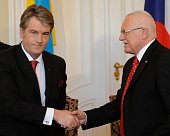 Viktor Yushchenko and Václav Klaus (right), photo: CTK