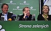 V.l.n.r.: Martin Bursík, Václav Havel und Kateřina Jacques (Foto: ČTK)