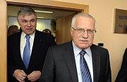 Nordmährische Landeshauptmann Jaroslav Palas und Václav Klaus (Foto: ČTK)