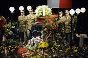 Poslední rozloučení s Otakarem Motejlem (Foto: ČTK)