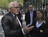 Václav Klaus in front of the United Nations headquarters, photo: CTK