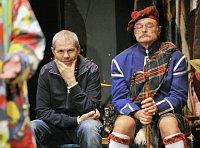 Pražské Studio Ypsilon oslavilo 9. listopadu 45 let své existence slavnostním představením, ve kterém vystoupili také Marek Eben (vlevo) aPavel Nový, foto: ČTK