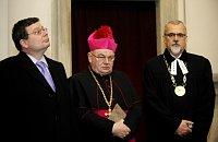 Alexandr Vondra, l'archevêque de Prague Dominik Duka, le président du Conseil œcuménique des Eglises Joel Ruml, photo: CTK