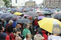 Stovky lidí 15. srpna na náměstí v Novém Boru vyjádřily nespokojenost s bezpečnostní situací ve městě, foto: ČTK
