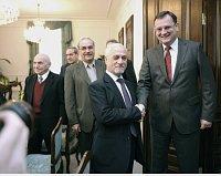 Petr Nečas (vpravo) přijal členy irácké vládní delegace, foto: ČTK