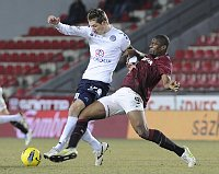 Josef tvrtnek (1. FC Slovcko) und Lonard Kweuke (Sparta Prag). Foto: TK