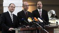 Opposition im Abgeordnetenhaus - Michal Hašek, Bohuslav Sobotka und Jeroným Tejc (alle ČSSD). Foto: ČTK