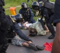 Policejní zásad v Českých Budějovicích (Foto: ČTK)
