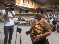 Veřejné slyšení k problematice soužití Romů a většinové společnosti se konalo ve sportovní hale v Českých Budějovicích (Foto: ČTK)