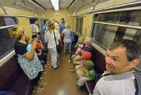 Ce dimanche, les voyageurs ont pu emprunter à l'occasion de ce 35e anniversaire les anciens wagons soviétiques, photo: CTK